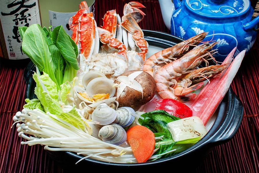 Đặt tiệc đám giỗ quận 1 trang trọng với các món ăn đầy hấp dẫn