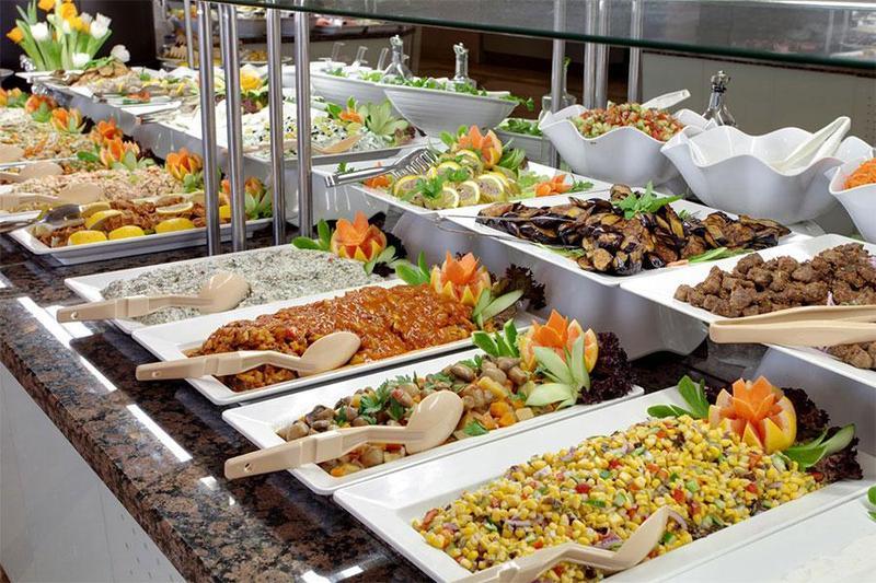 Gợi ý các món ăn ngon mê ly cho thực đơn tiệc buffet lưu động