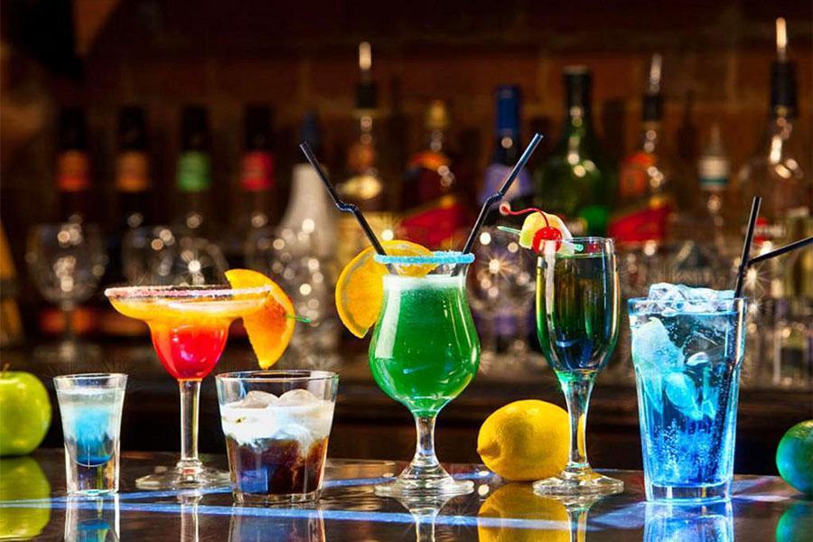 Chia sẻ bí quyết tự pha chế cocktail đúng cách khi tổ chức tiệc buffet tại nhà