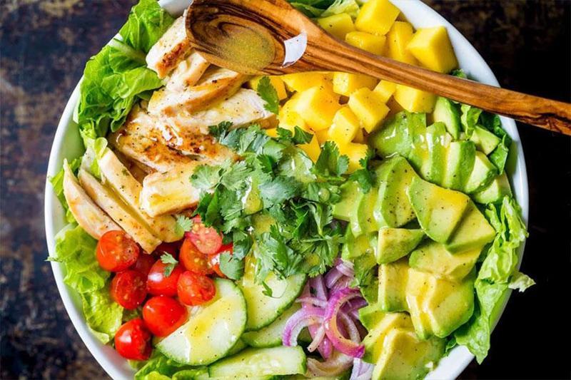 Bật mí 5 loại nước sốt ngon dành cho các món salad khi đặt tiệc tại nhà Quận 1